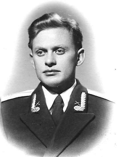 Выпускник МВИРТУ прибыл на 10 ГНИИП МО, 1957 г.